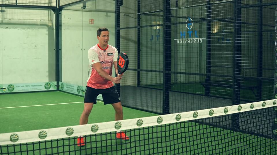 padel racket position